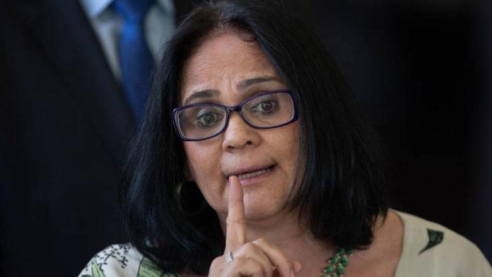 Para presidir Comissão de Anistia, Damares nomeia ex-assessor de Bolsonaro que já atuou contra anistiados
