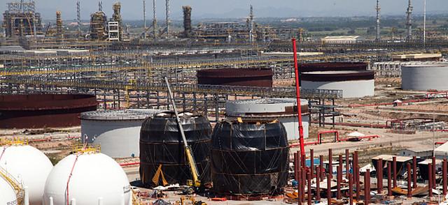 Estatais estrangeiras passam a controlar energia e petróleo no Brasil