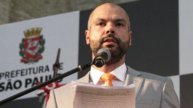 Bolsa Família paga para criança estudar. Bruno Covas paga para criança ficar em casa