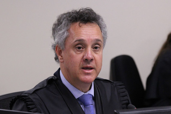 Lula foi condenado porque frequentou o sítio do amigo, revela fala de desembargador