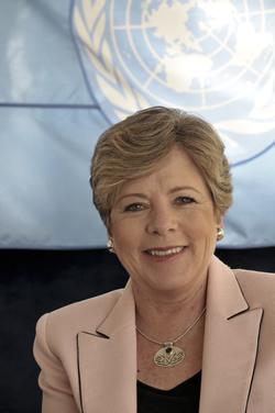 América Latina perdeu o bonde da indústria, diz secretária-executiva da CEPAL