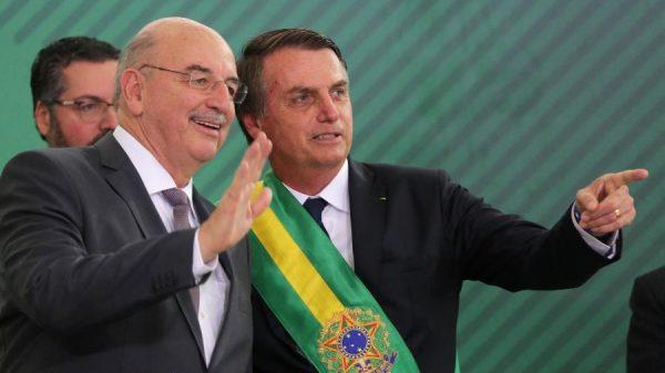 """""""Nenhuma peça de lado"""", diz Bolsonaro sobre Osmar Terra que deve assumir liderança na Câmara"""