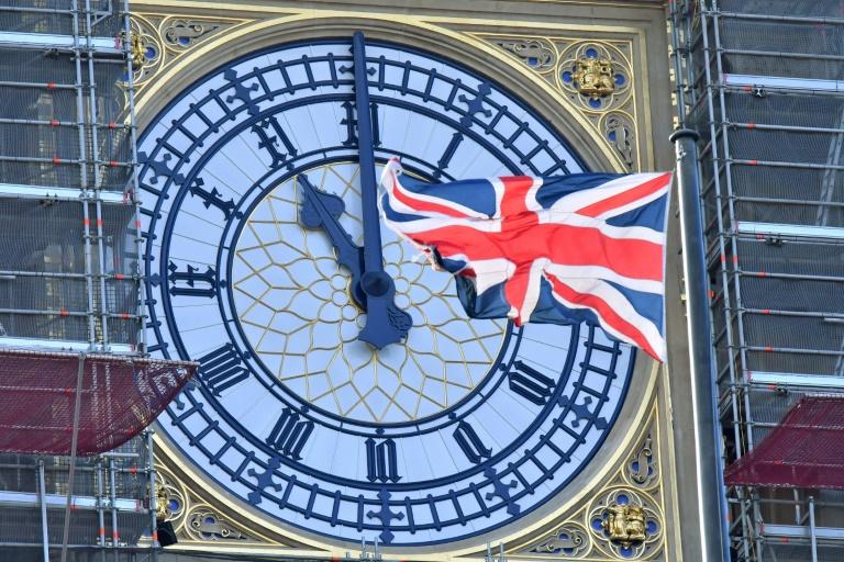 Economia de guerra: Reino Unido pagará 80% do salário dos trabalhadores