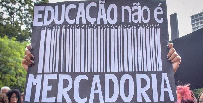 Educação e barbárie na era Bolsonaro, por Michel Aires de Souza Dias