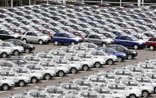 Recuperação insuficiente da indústria automobilística, por Luis Nassif
