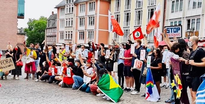 Ato mundial Fora Bolsonaro: Alemanha mandou ver com 'Bolsonaro Raus!'
