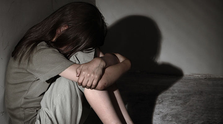 Covid-19 deixou cerca de 130 mil jovens órfãos no Brasil, diz estudo