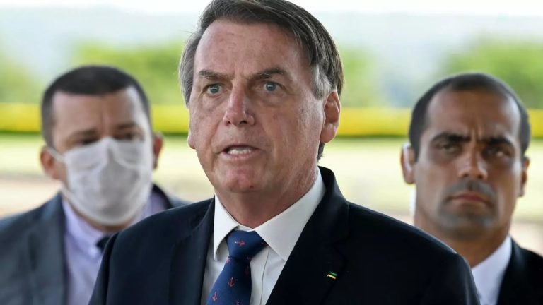 """""""Vírus foi potencializado pela mídia"""", diz Bolsonaro que volta a atacar imprensa"""