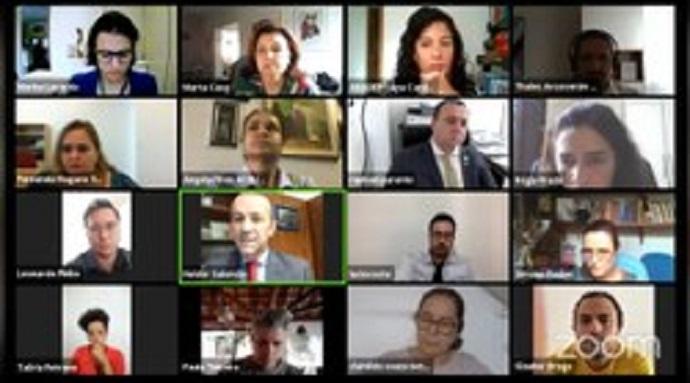 """Não é fake news: parlamentares e sociedade civil criticam """"revogaço"""" de portarias da política de saúde mental do Ministério da Saúde"""