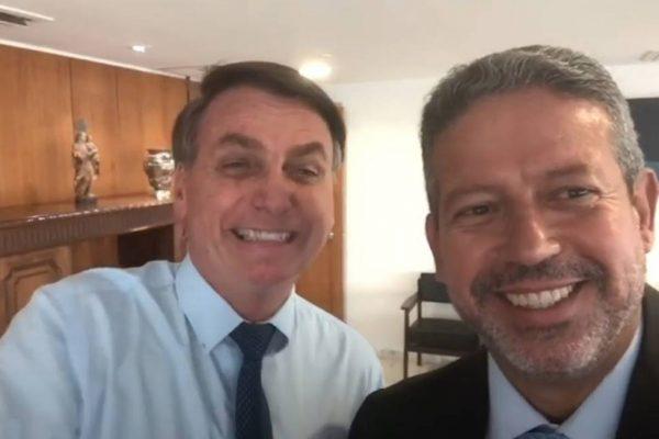 Grupo suprapartidário lista crimes cometidos por Bolsonaro