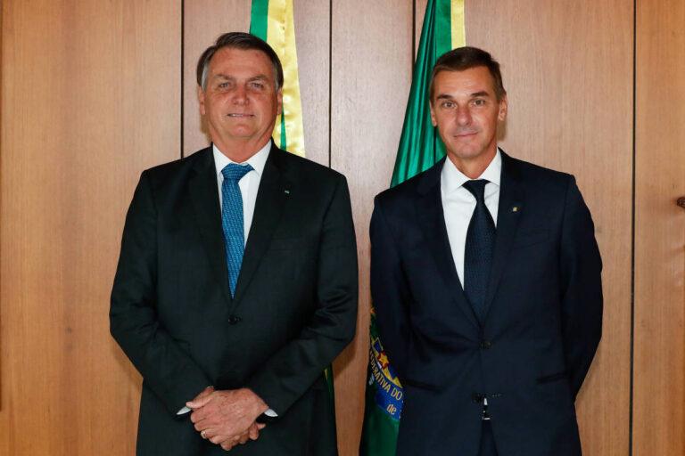 Bolsonaro ignora apelos e estuda nome para substituir André Brandão no BB