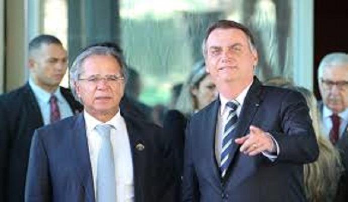 Ao exigir reforma dentro do auxílio, Guedes deve sofrer derrota