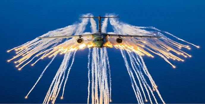 """Força Aérea diz que pandemia está """"estabilizada"""" no Brasil"""