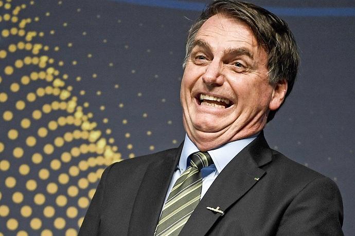Bolsonaro cometeu pelo menos 10 crimes em três semanas