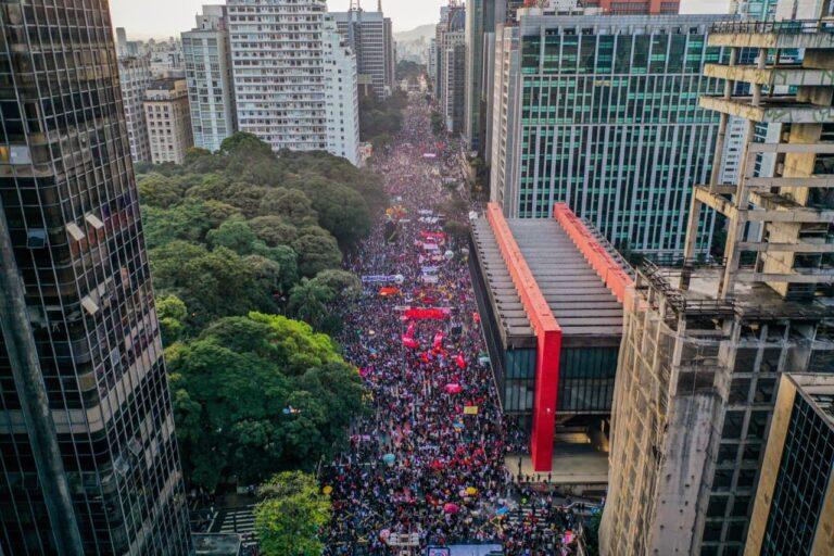 Bolsonaristas disseminam Fake News sobre atos contra Bolsonaro