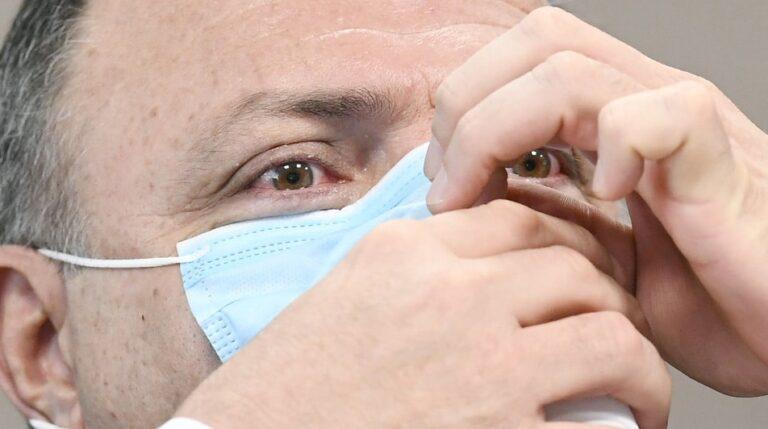 """Pazuello aceitou 10% de vacinas da Covax só porque """"era muito ruim não estar"""""""