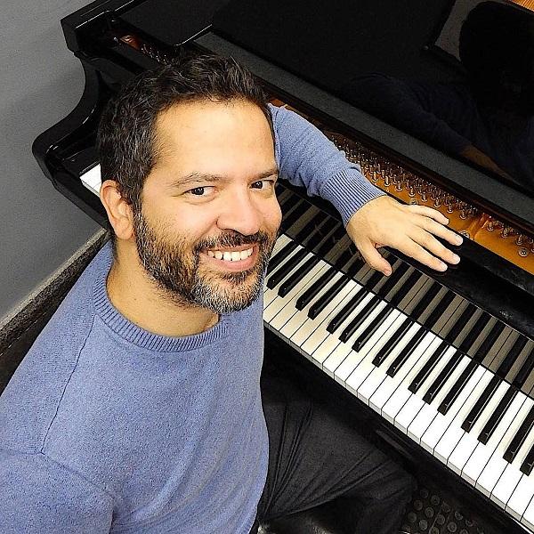 Composições de brasileiro ganham salas de concerto no Exterior, por Carlos Motta