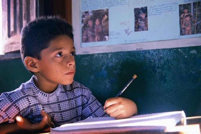 Proposta de educação domiciliar não considera crianças e adolescentes como sujeitos de direitos, alerta UNICEF