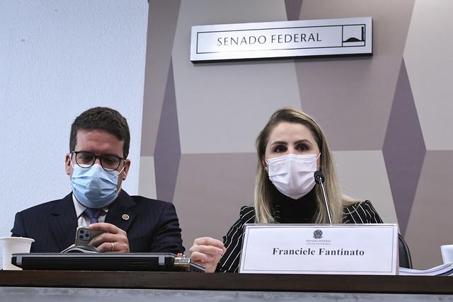 Brasil poderia ter feito vacinação com Pfizer sem prejuízo