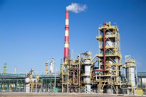 Número de empresas industriais encolhe pelo sexto ano, diz IBGE