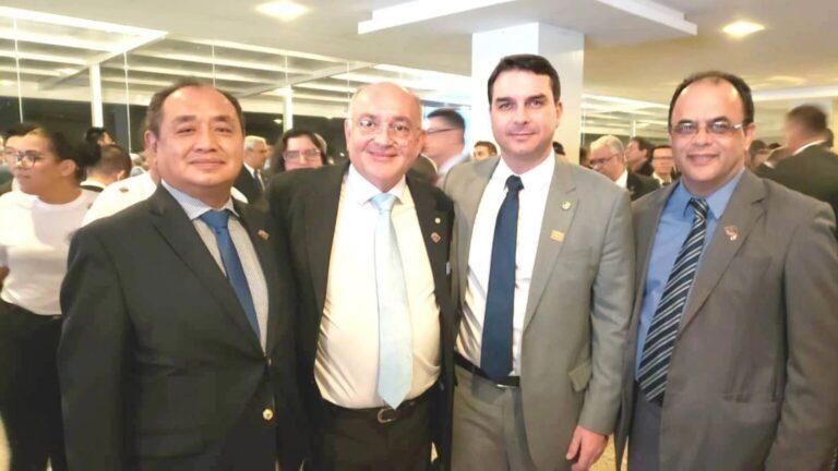 CPI começa investigar influência do clã Bolsonaro em hospitais federais