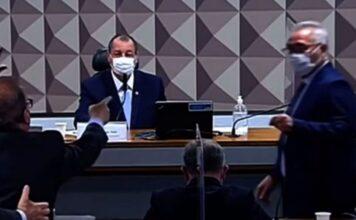 Renan Calheiros e Jorginho Mello brigam na CPI
